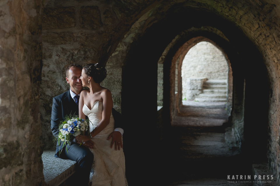 "ALT=""multicultural wedding, Estonia, Pirita convent, wedding couple, darkness"""