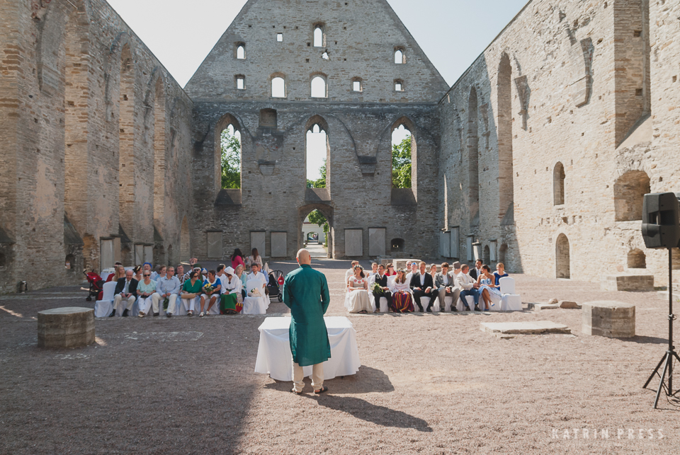 "ALT=""multicultural wedding, Estonia, Pirita convent, architecture, ceremony"""