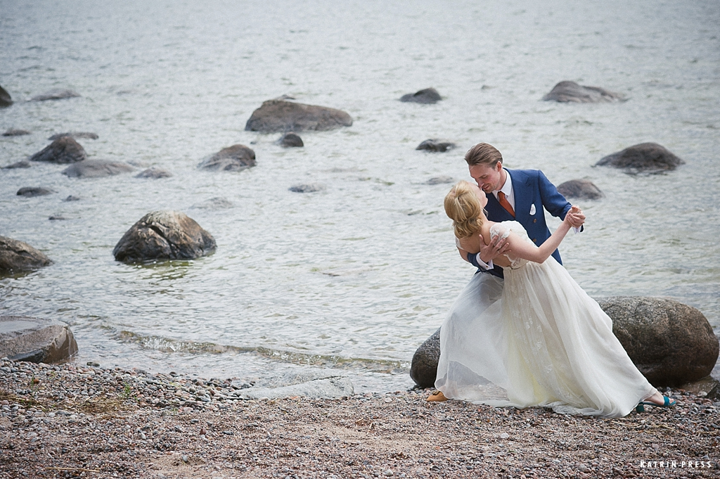 "ALT=""pulm, wedding, mere ääres, Käsmu, Lainela, pruutpaar, wedding couple, katrin press"""